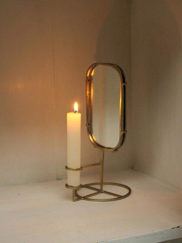 Kynttelikko_peililla