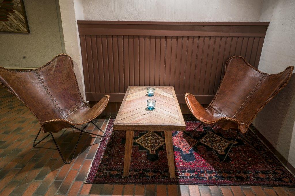Manalan baari pöytä