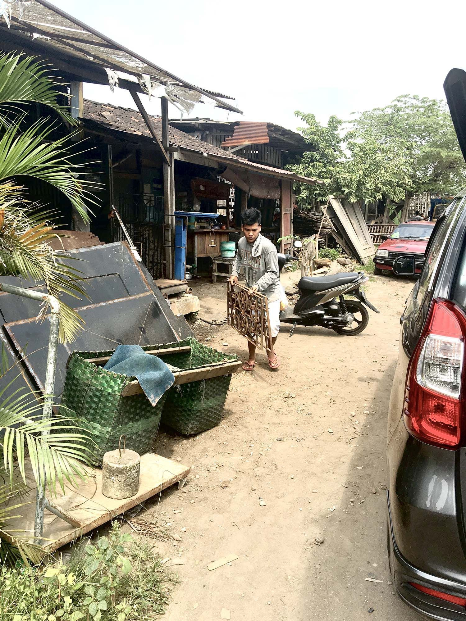 Sasu's Playhouse indonesialaiset huonekalut