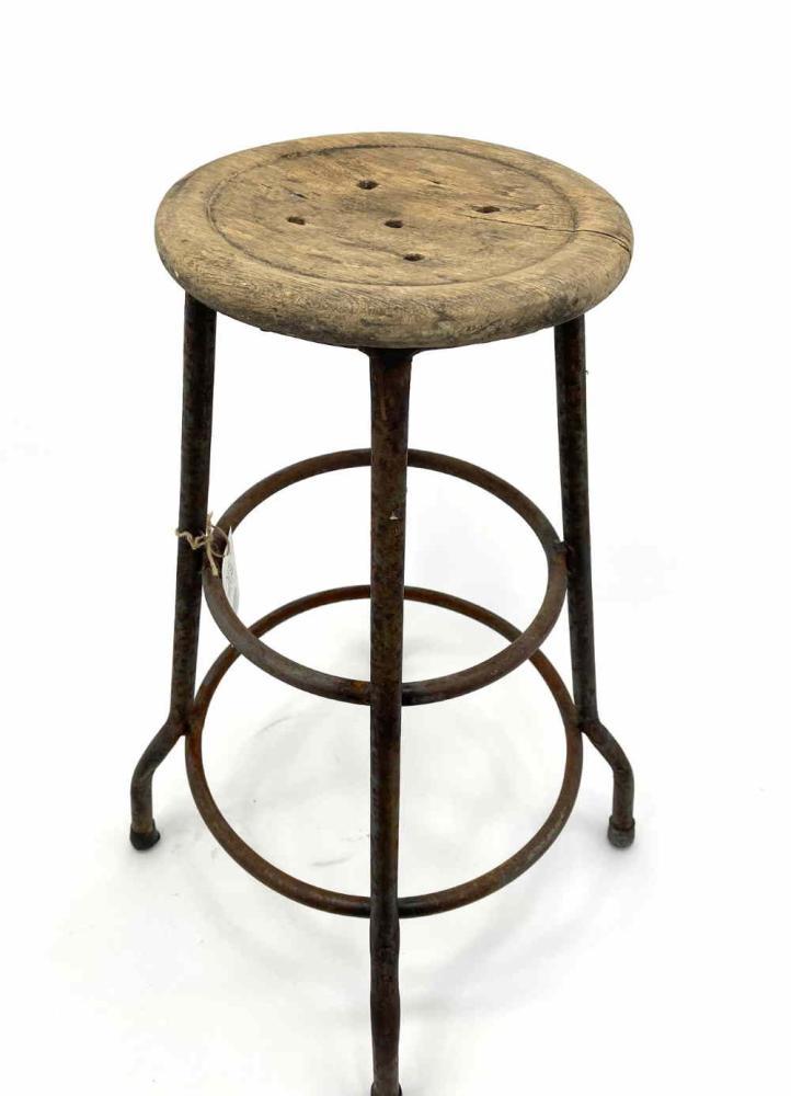 Baarijakkara_Shopkeepers_stool_low_high_old